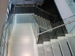 custom-laminated-stair-tread